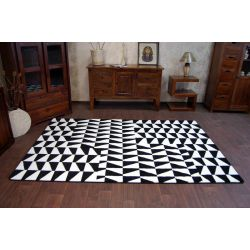 Koberec SKETCH - F765 bílá/ černá